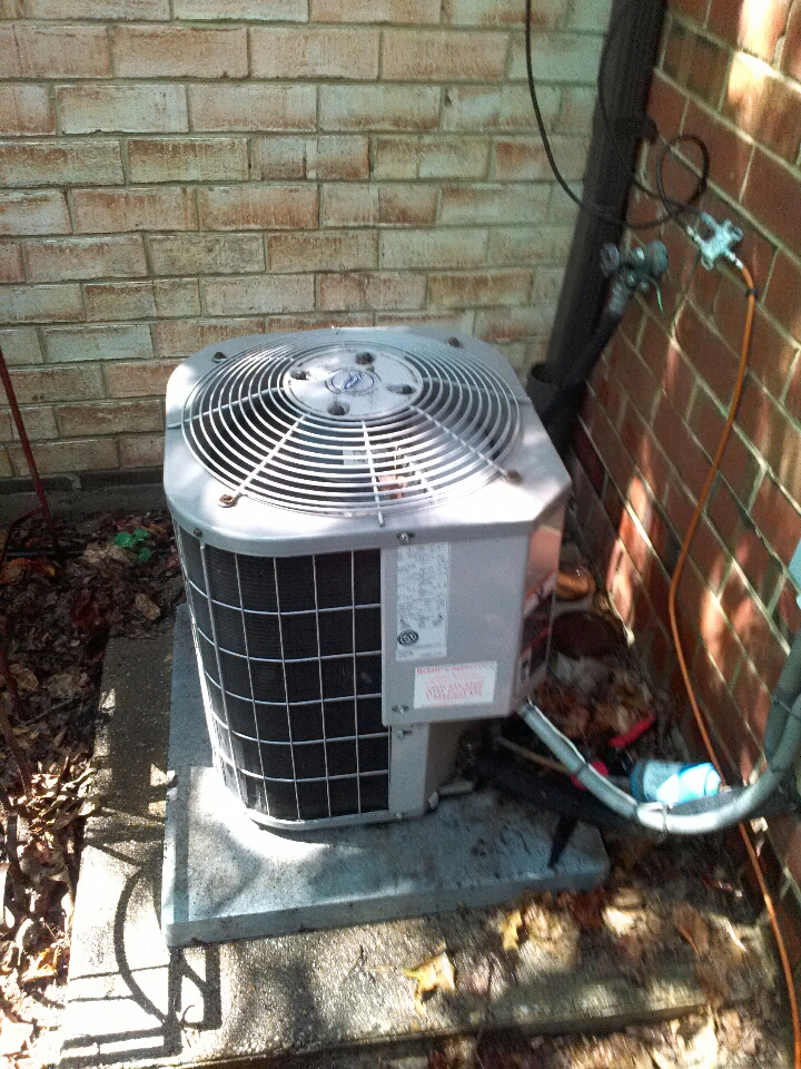 Crofton, MD - carrier gas heating furnace & ac air conditioning system replacement installation service call in crofton maryland.