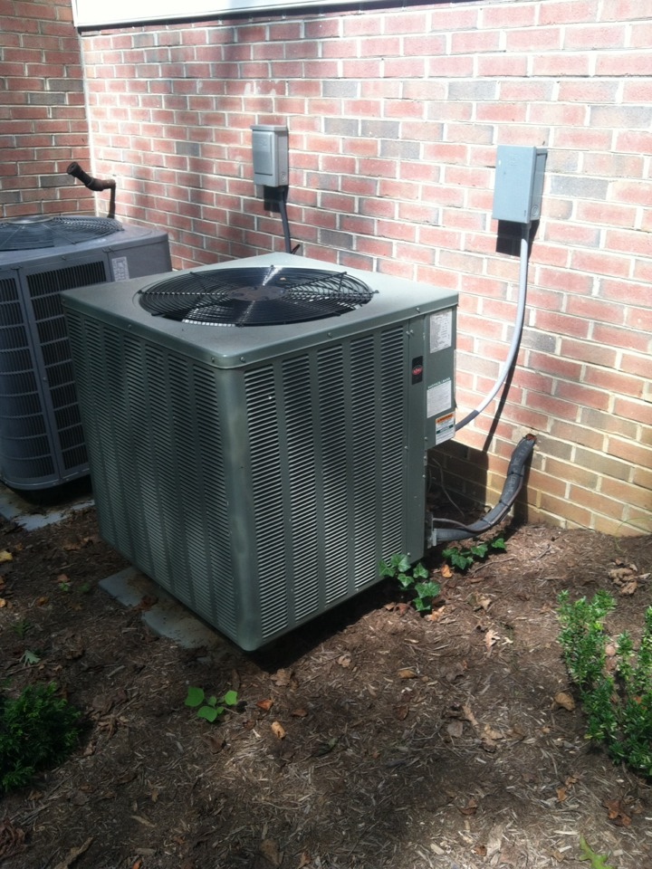 Gambrills, MD - Goodman heat pump furnace AC heating & air conditioning system replacement installation service call in Gambrills Maryland.