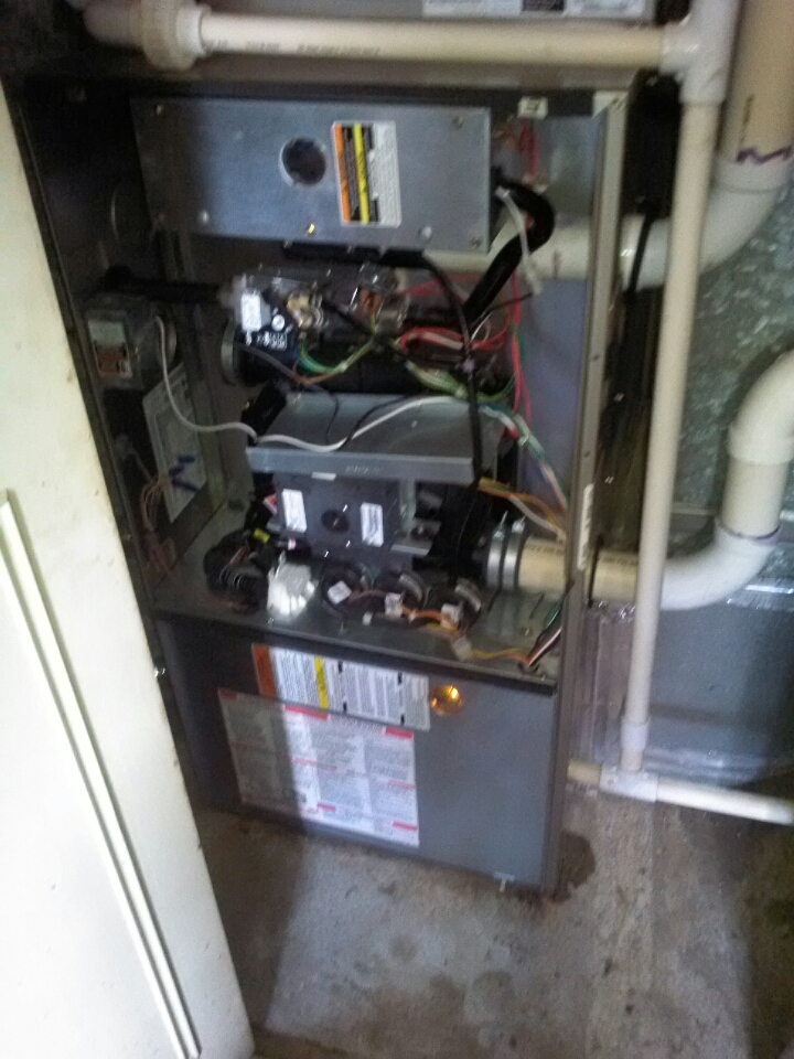 Crofton, MD - Gas furnace heating system repair service maintenance tune-up call in Crofton Maryland.