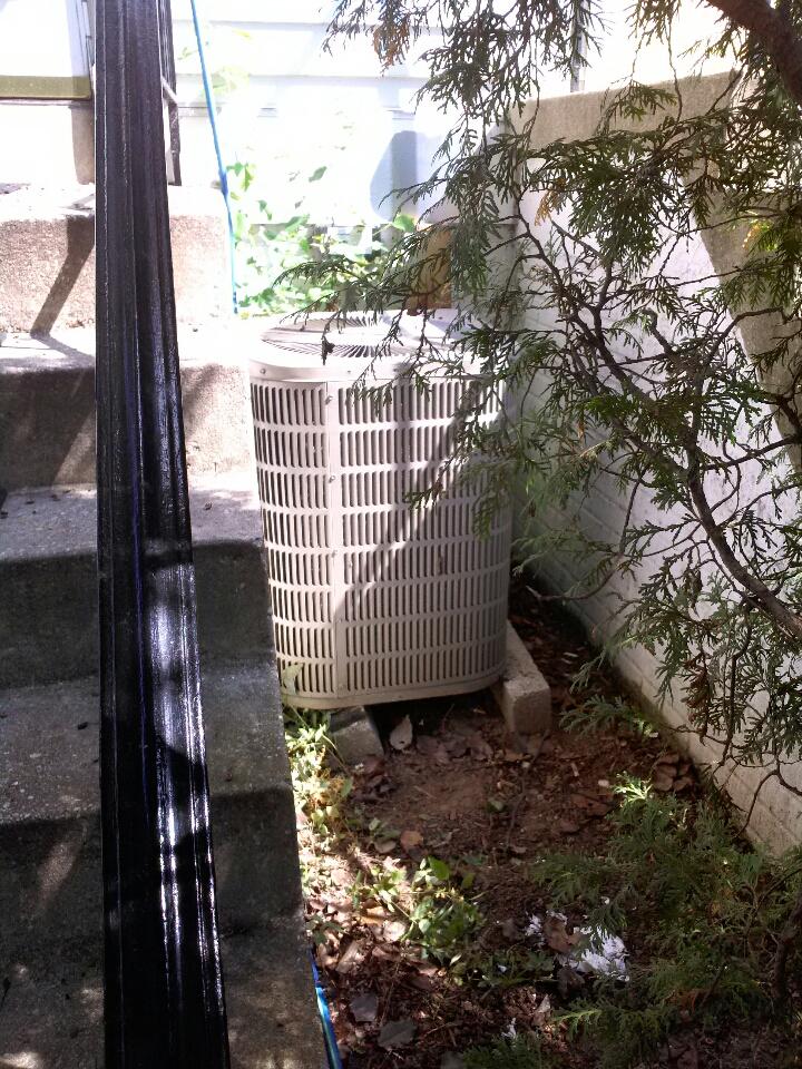 Crofton, MD - York heat pump furnace heating system repair service maintenance tune up call in Crofton Maryland.