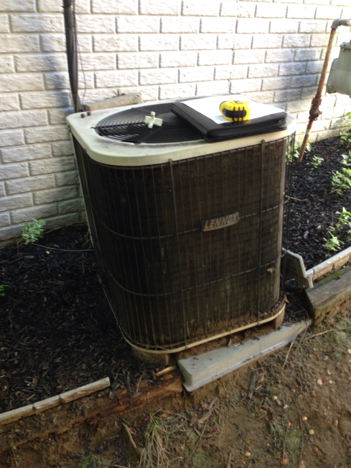 Crofton, MD - Lennox heating and air conditioning system replacement installation service call in Crofton Maryland.