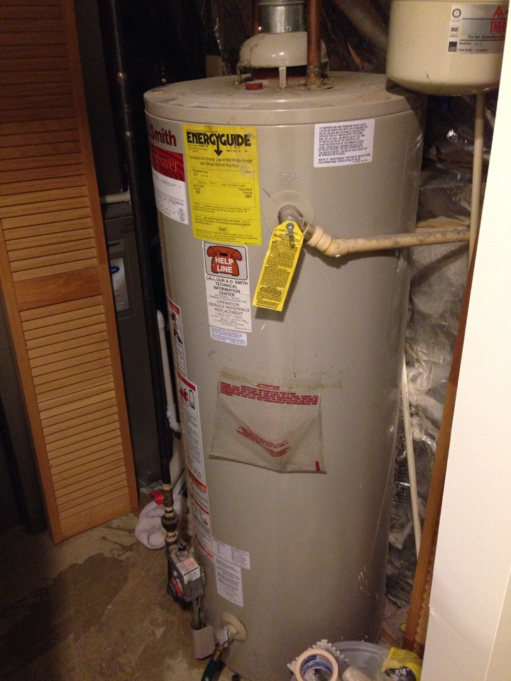 Crofton, MD - Water heater replacement installation & plumbing repair service call in Crofton Maryland.