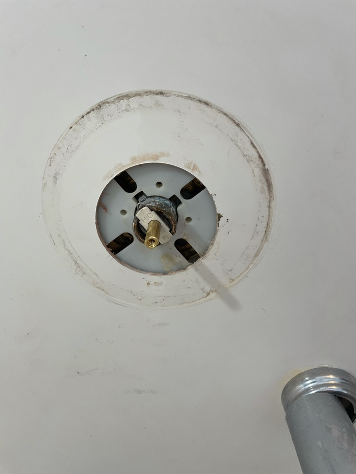 Franklin, OH - Repaired tub/ shower faucet in Franklin, OH
