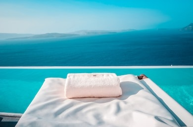 Pensacola, FL - customer came in search of a king and queen size resort mattress to go in there condo at the beach. They found the perfect resort mattress due to us having the largest selection Of mattresses in Pensacola.