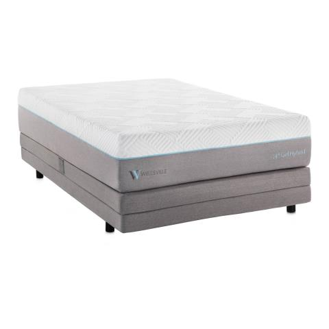 Milton, FL - Customer was searching for a high quality queen size mattress. They were pleased to find that we have the largest selection of hybrid mattresses around. They were able to pick out a top quality gel hybrid mattress that they love!