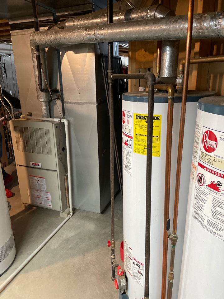 Marengo, IL - Came out for a free estimate on a furnace and A/C replacement and to discuss air flow problems upstairs. Quoted three Lennox systems as well as some possible solutions to upstairs not heating as well.