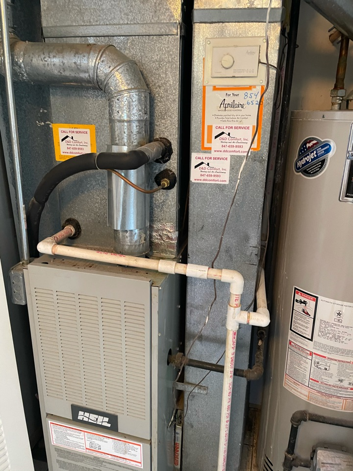 Crystal Lake, IL - Came out for a free estimate on a furnace and possible A/C replacement. Heater has been giving her issues as of late and wanted to get an idea of furnace replacement price.