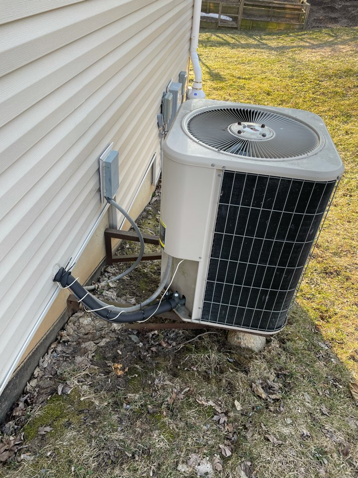 Woodstock, IL - Customer recently moved into home in the last few months and wants to replace AC due to age. Customer was given a free estimate on three Lennox mid efficiency units for replacement.