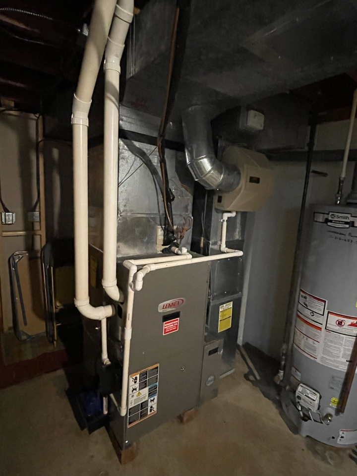 Woodstock, IL - Customer recently had his furnace replaced a couple years ago. Due to age wants to get his AC replaced too. He received a free AC estimate.