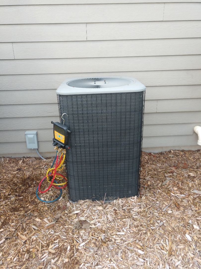 Woodstock, IL - JD performed an A/C clean and check in Woodstock as part of this customer's maintenance agreement.