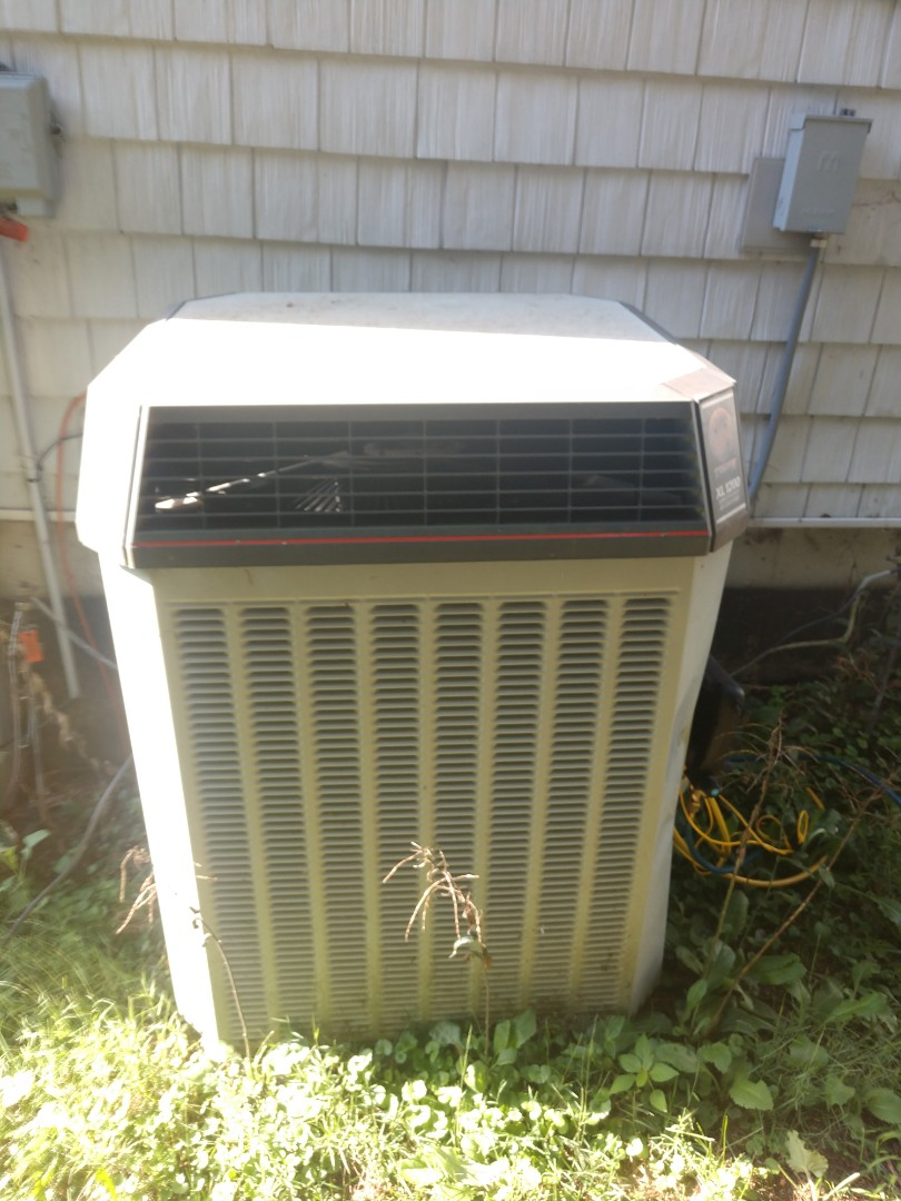 McCullom Lake, IL - JD's finished product of his AC clean and check.