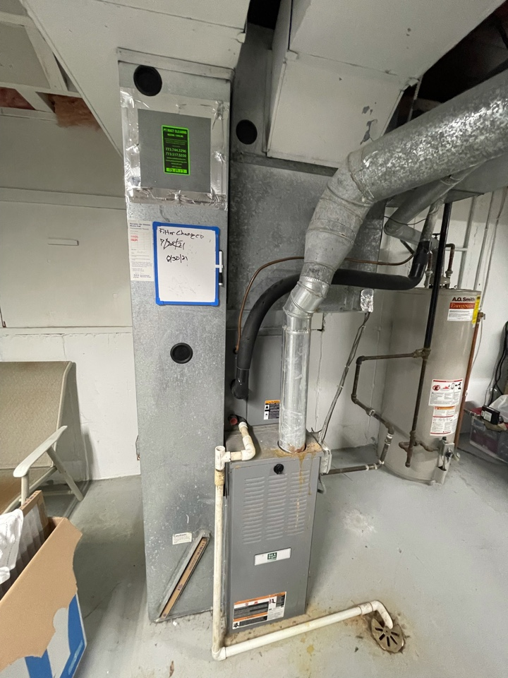 Crystal Lake, IL - Tom came out for an estimate on a full system estimate, along with a water heater replacement.