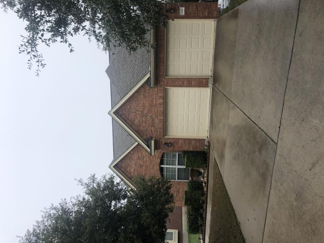Leander, TX - Another shingle roof replacement done by RoofCrafters.  Hail and wind damage caused this roof to leak and therefore need to be replaced.  RoofCrafters installed new GAF Timberline HD shingles and system plus extended warranty.  Call RoofCrafters when you need a top certified roof contractor in Austin or Leander.