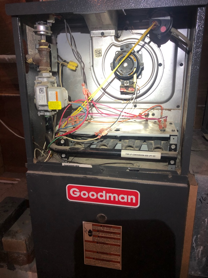 Freeport, IL - Annual furnace maintenance inspection and cleaning