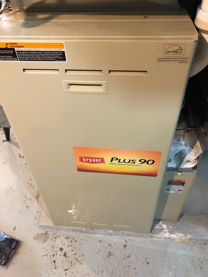 Freeport, IL - Seasonal heating inspection on this Bryant furnace inspection.
