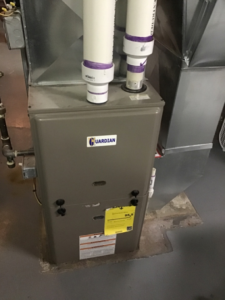 Rockford, IL - Here this morning for an annual clean and check for this Guardian furnace.