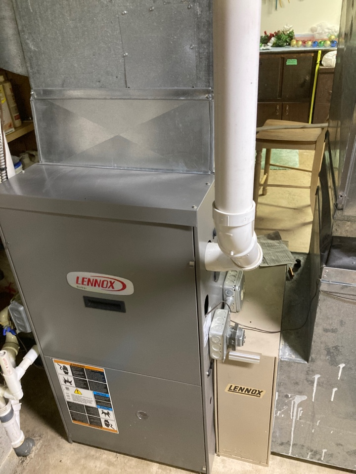 Winnebago, IL - Done a maintenance on this Lennox furnace for the upcoming winter season! Looking fantastic!