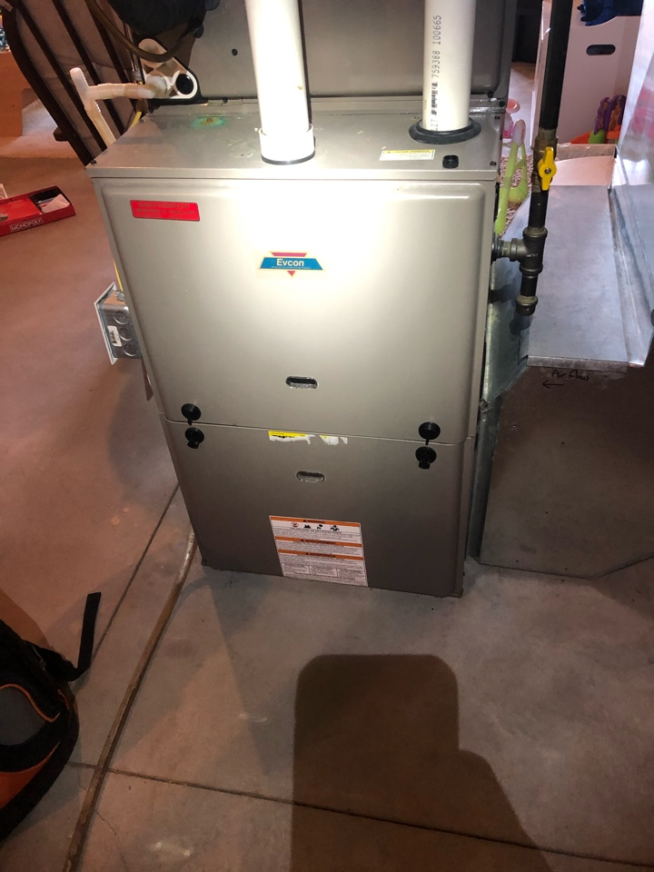 Dixon, IL - Annual furnace maintenance inspection and cleaning