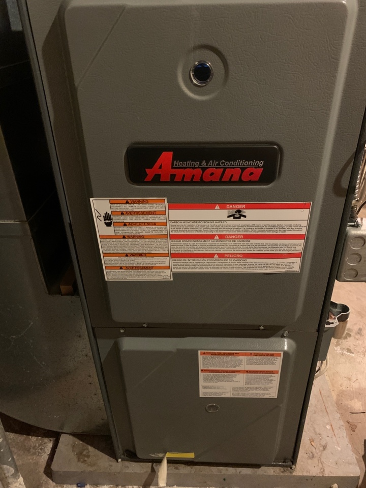 Roscoe, IL - An annual clean and check for this Amana furnace.