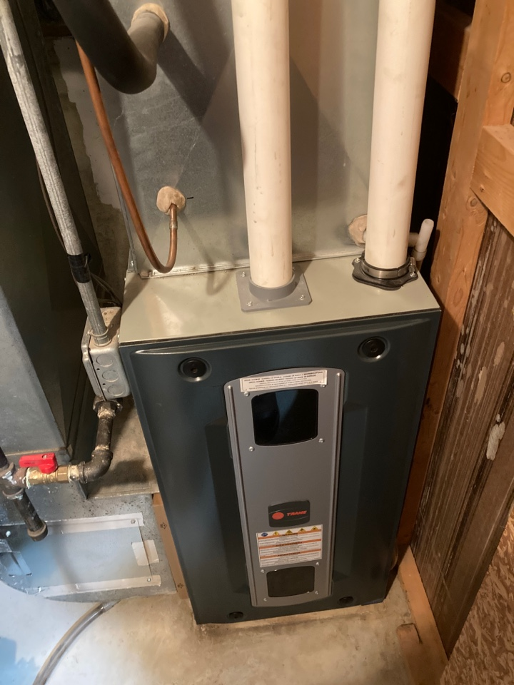 Davis, IL - Check out this Trane furnace!