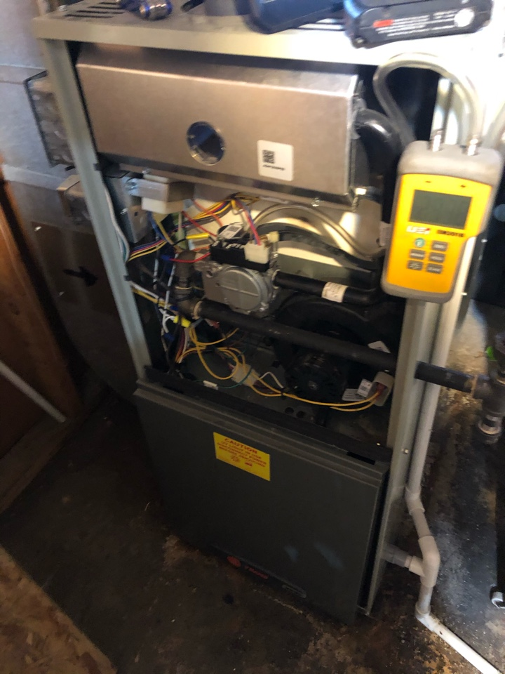 Shannon, IL - Annual furnace maintenance inspection and cleaning