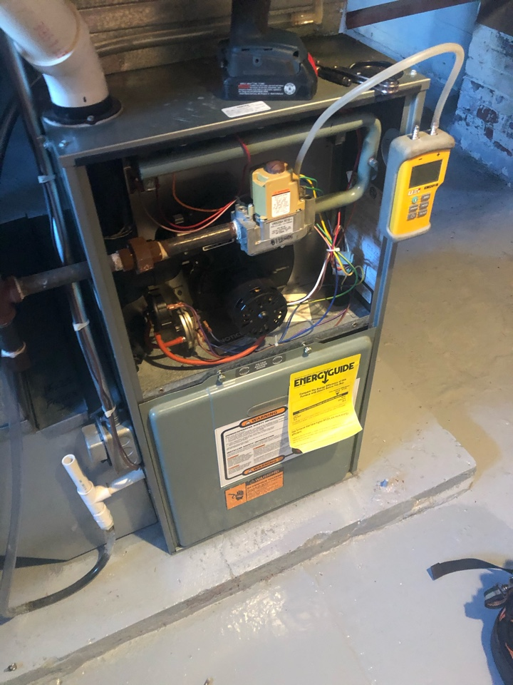 Warren, IL - Annual furnace maintenance inspection and cleaning