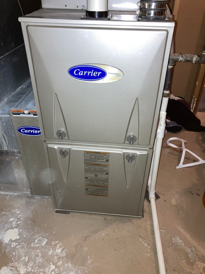 Loves Park, IL - Doing a clean and check on this Carrier furnace. Ready for the winter.