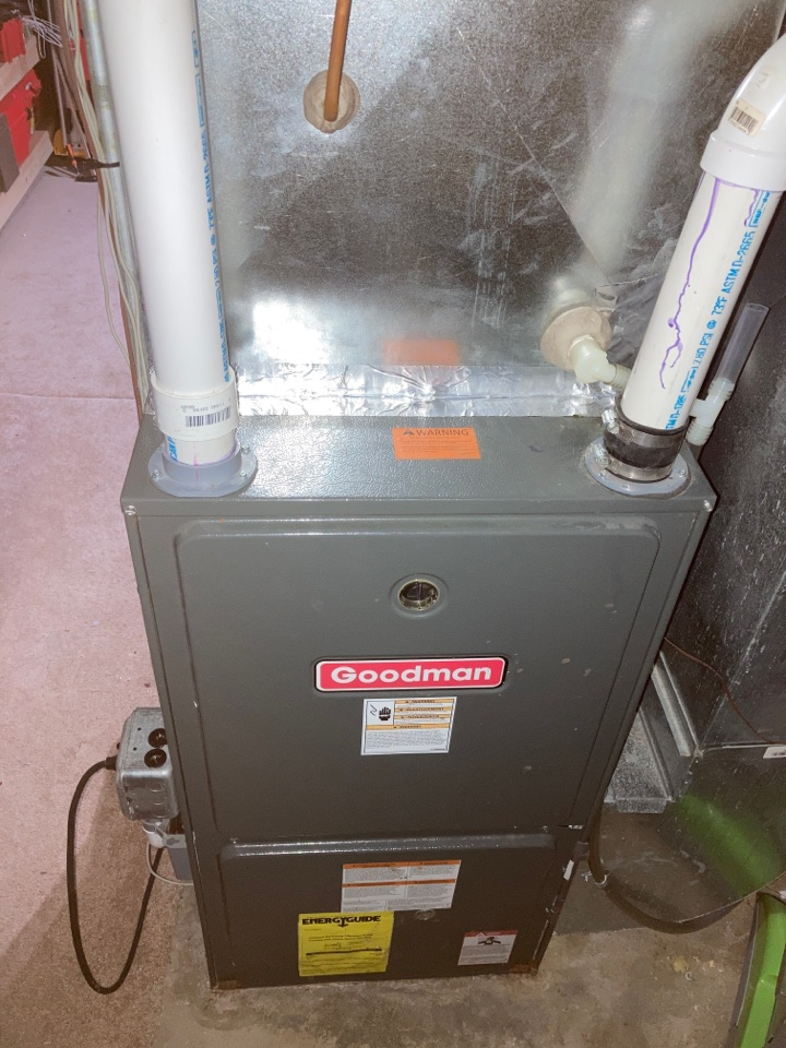 Machesney Park, IL - Performed a clean and check on this Goodman furnace. Ready for the rest of winter!