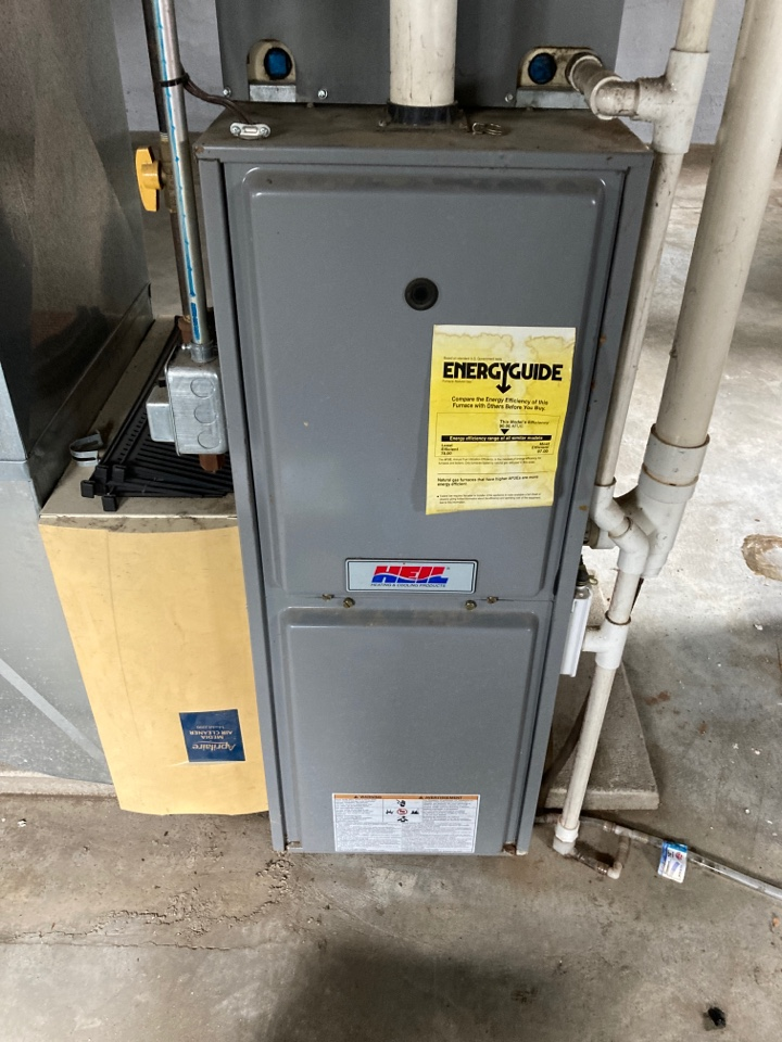 Freeport, IL - Performed the seasonal maintenance inspection on this Heil furnace.