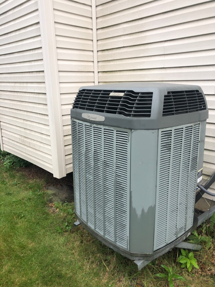 Belvidere, IL - Annual air conditioning maintenance inspection and cleaning