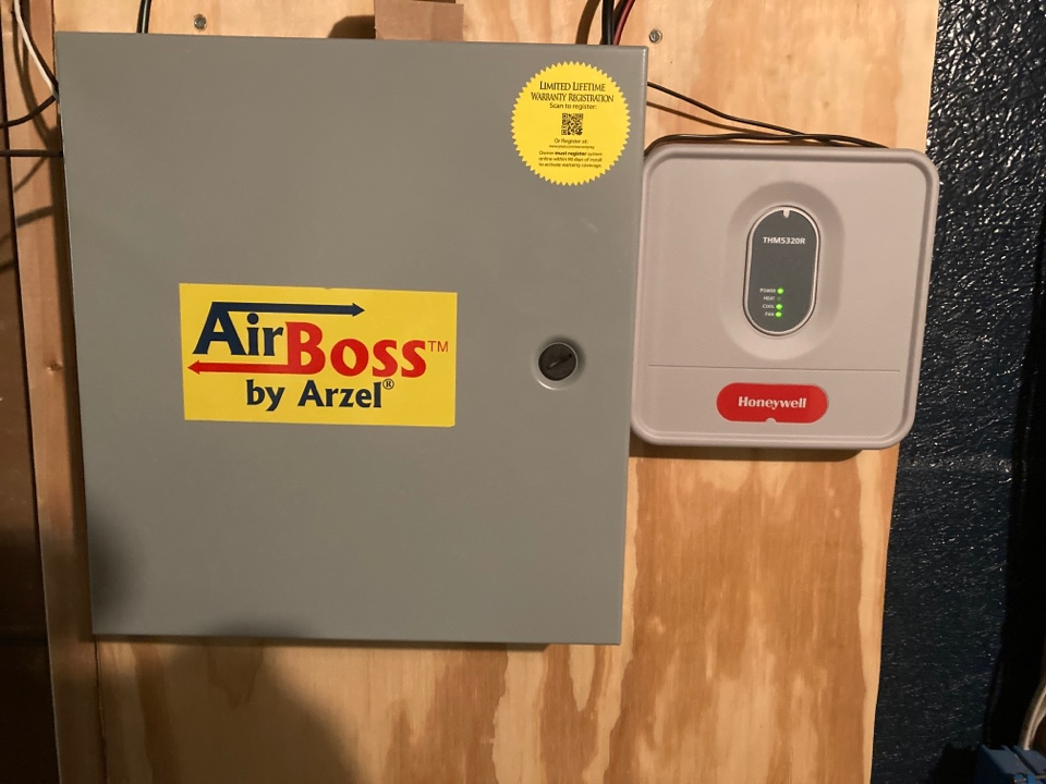 Lanark, IL - Nice AirBoss Arzel zone system on this Trane air conditioner inspection.