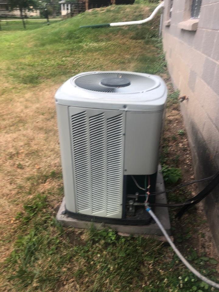 Pecatonica, IL - Air conditioning repair