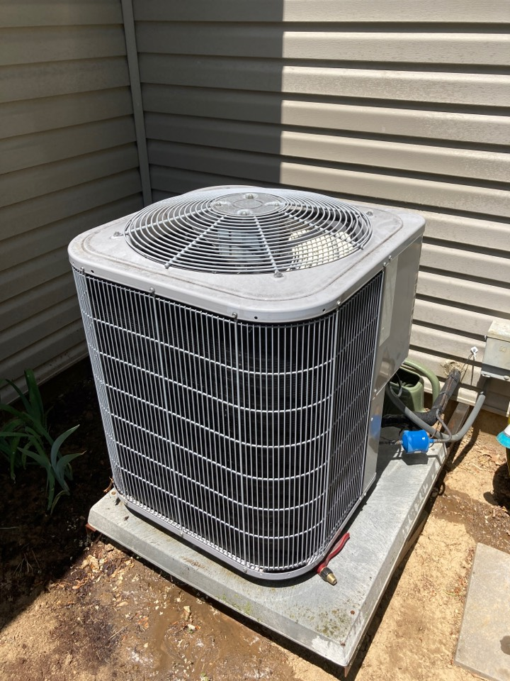 Air conditioner inspection inspection in Freeport on this Carrier system.