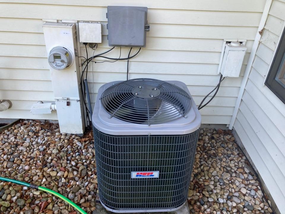 Byron, IL - Heil air conditioner ready for summer!