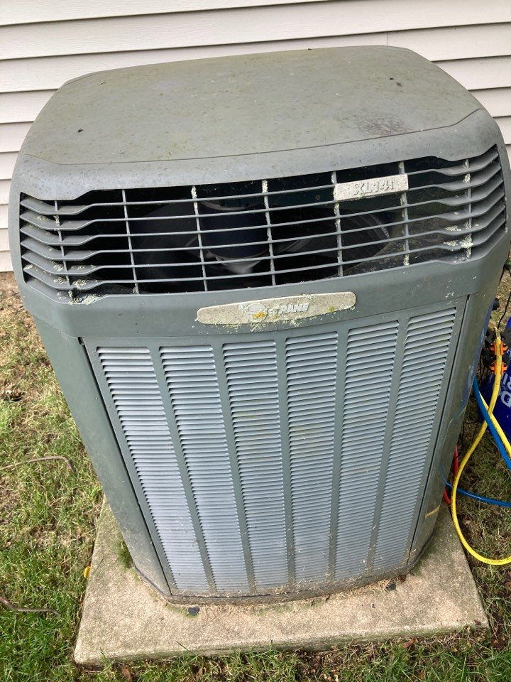 Pearl City, IL - Check out this Trane air conditioner!