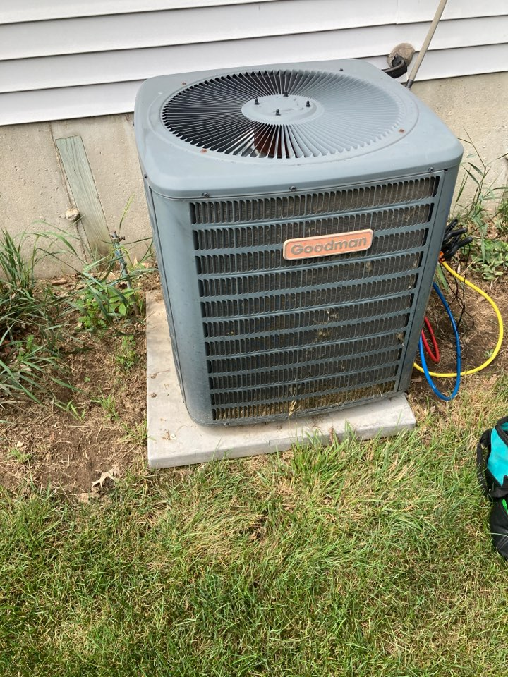 Durand, IL - Getting this Goodman air conditioner ready for summer!