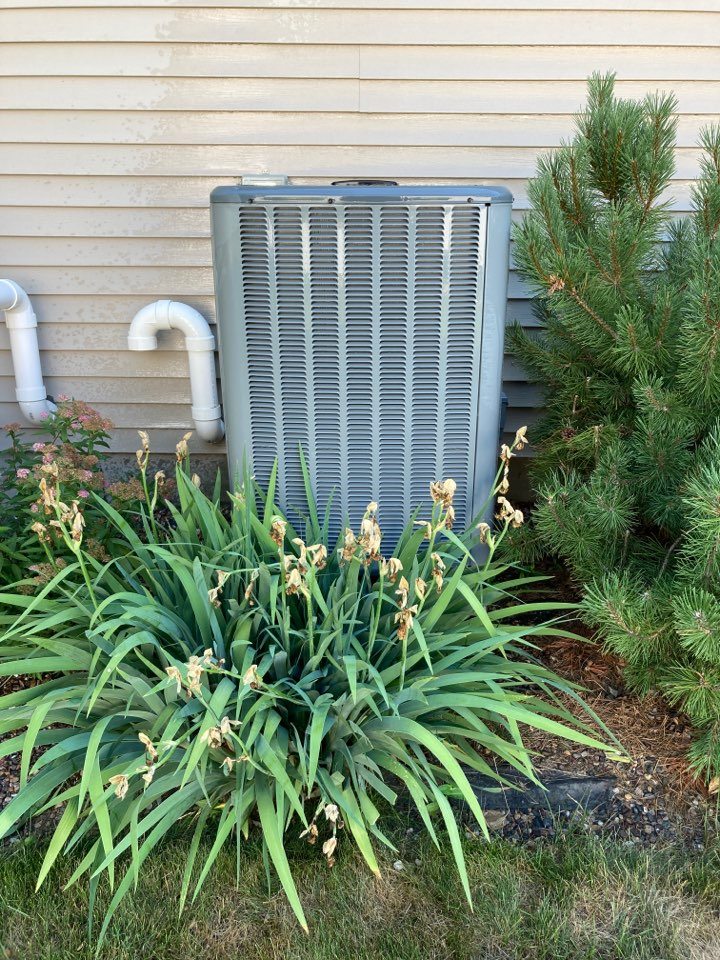 Freeport, IL - That Amana air conditioner is clean!