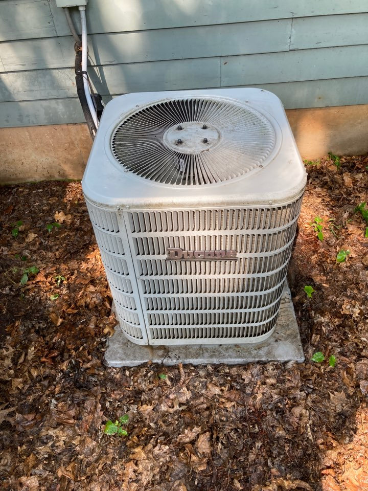 Freeport, IL - Look at this Ducane air conditioner ready for summer!