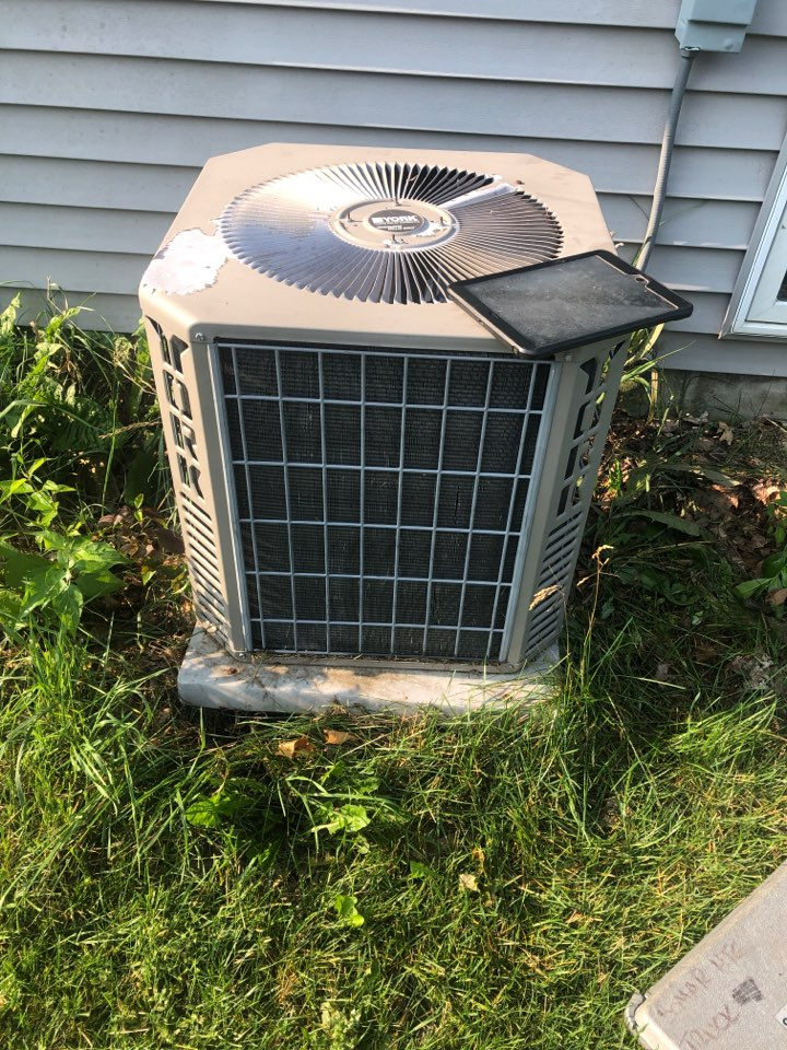 Freeport, IL - Annual Air conditioning maintenance inspection and cleaning