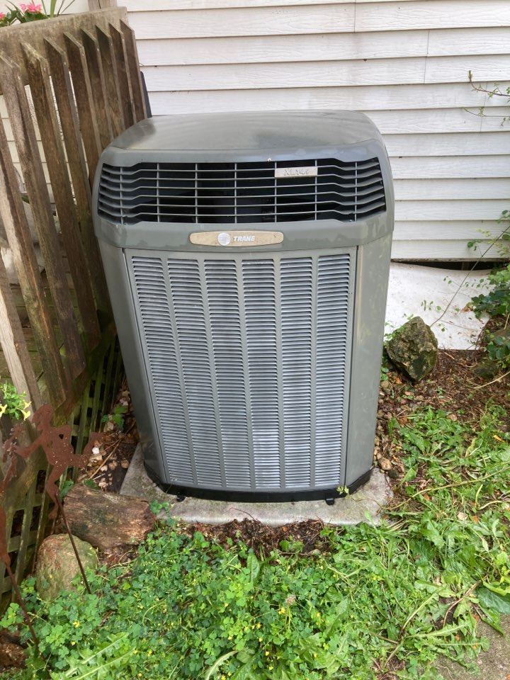Kent, IL - Trane air conditioner ready for summer!