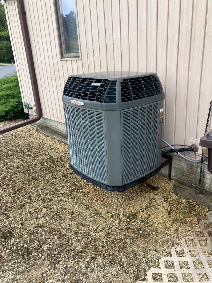 Lanark, IL - Another air conditioner cleaned and checked for the summer season by Bomar Heating And Cooling!