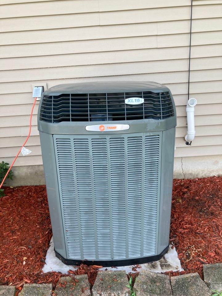 Lena, IL - Trane air conditioner ready for summer heat!