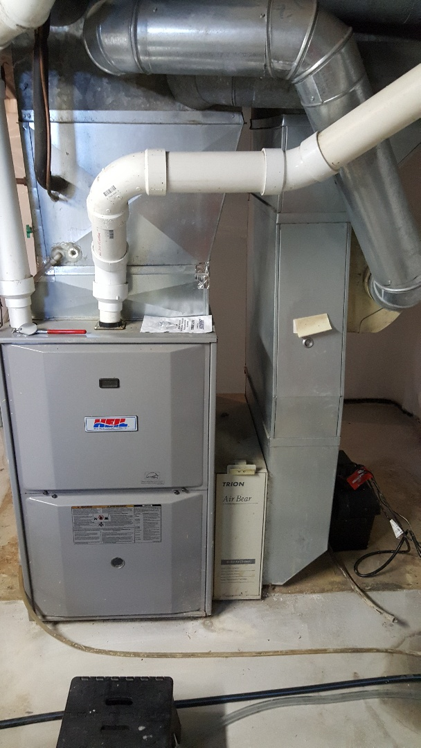 Ridott, IL - Furnace and humidifier maintenance. Performed maintenance on Heil furnace and Aprilaire humidifier.