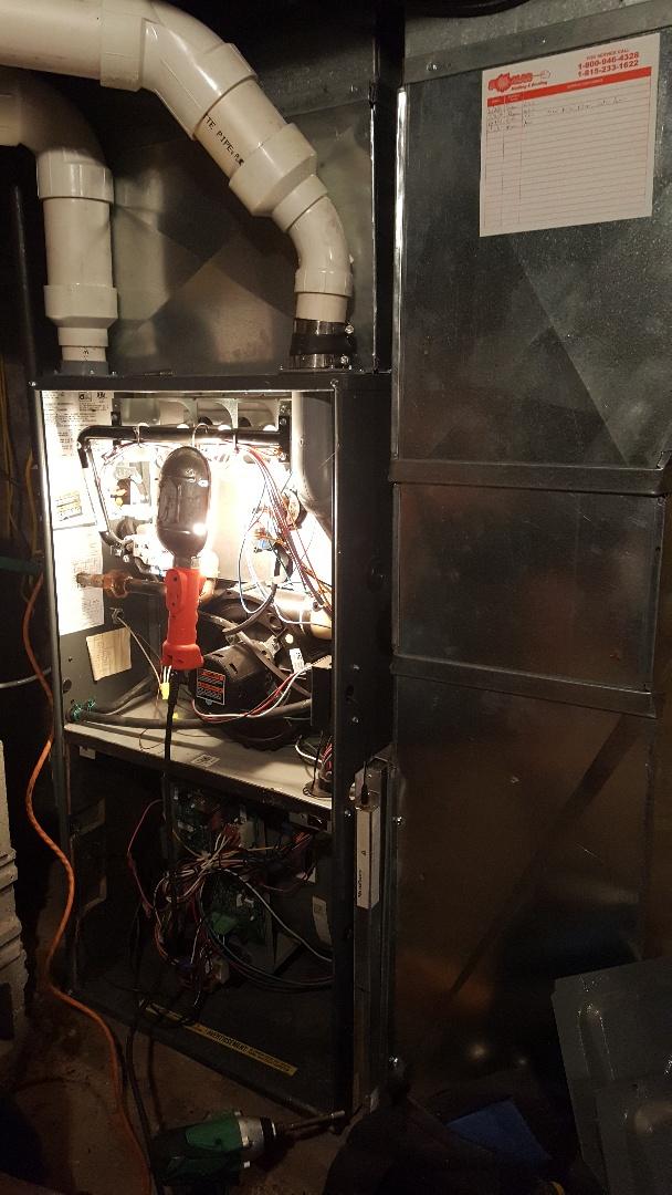 Pecatonica, IL - Seasonal maintenance on a Amana Furnace, Aprilaire humidifier, and a UV light.