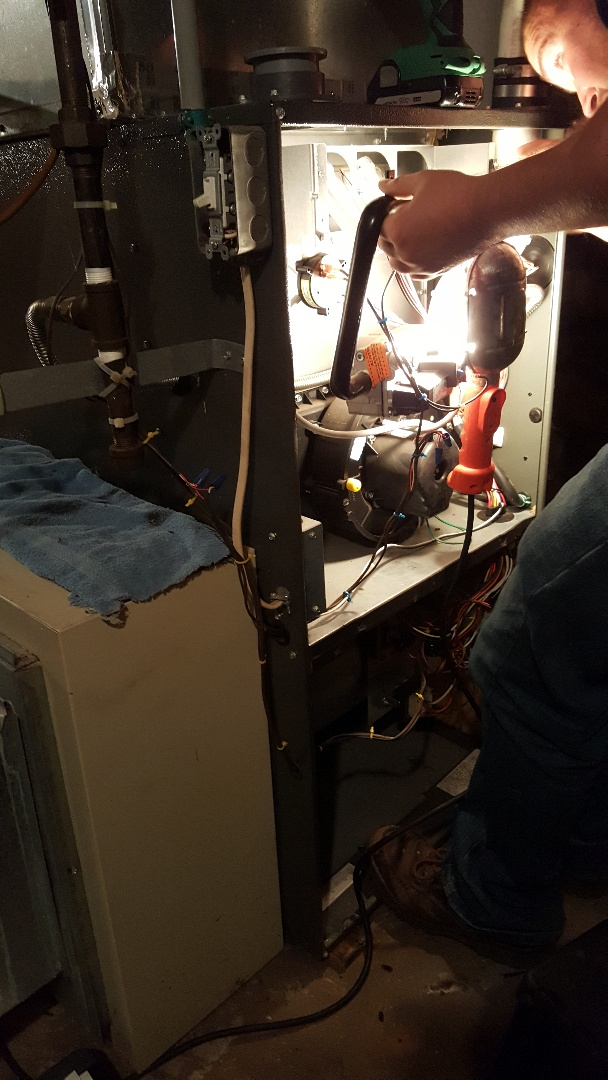 Apple River, IL - Seasonal maintenance on a Goodman furnace and Aprilaire humidifier.