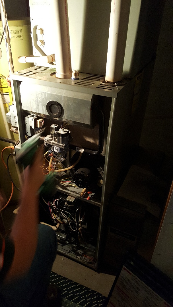 Shannon, IL - Seasonal maintenance on a Trane furnace and Aprilaire humidifier.