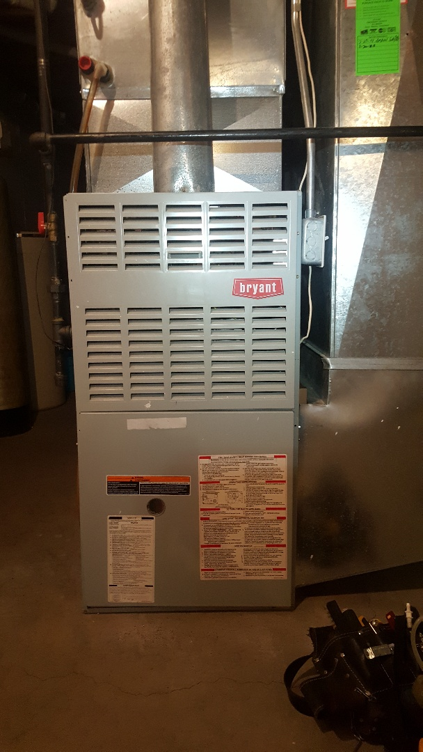Belvidere, IL - Annual maintenance inspection on a Bryant furnace