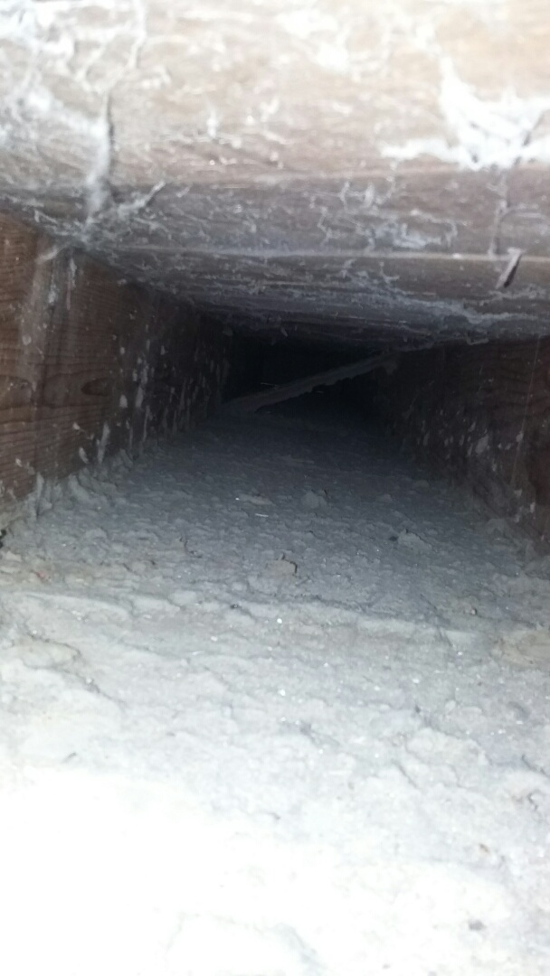 Loves Park, IL - Duct cleaning. Cleaning ducts