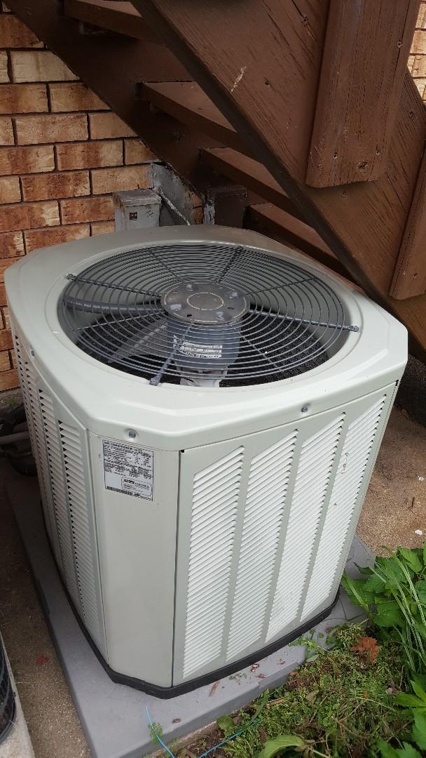 Byron, IL - Seasonal maintenance on a Trane air conditioner. Chooo chooo!