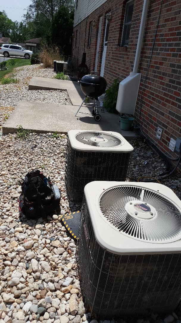 Byron, IL - Annual inspections on Lennox air conditioner units. Apartment complex helping out the tenants keep their bills down!